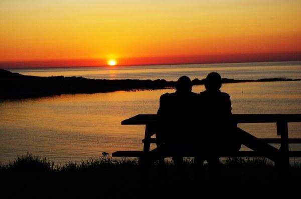 pb-sunset-couple-best-fix